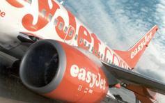 Les compagnies low cost, telle Easy Jet, adoptent de plus en plus de caractéristiques propres aux compagnies traditionnelles (desserte, fréquence...).