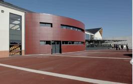 Selon le conseil général du Loiret, le PPP a permis de raccourcir de deux ans la réalisation du collège de Villemandeur par rapport à une procédure classique.
