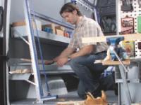 Les équipements en métal sont plus résistants que les modèles en bois.