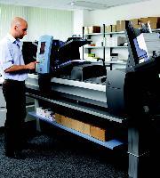 Une machine haut volume est capable de traiter en quelques minutes une centaine de plis, contre une heure à la main.
