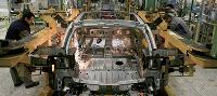 L'automobile est le secteur où l'impact du choc des matières premières est le plus marquant.