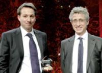 Gérald Benchetrit, directeur achats de l'ANPE/Pôle Emploi, a reçu son prix des mains de Thierry de Cassan, fondateur de Synertrade.