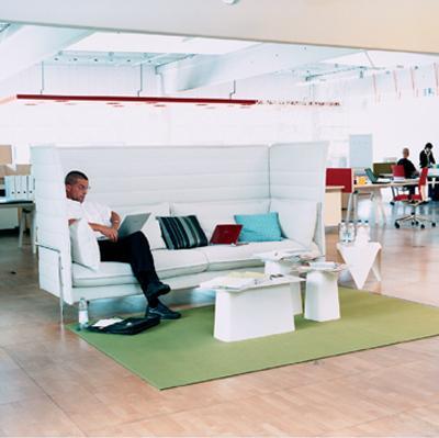 le mobilier de bureau fait le plein de nouveaut s. Black Bedroom Furniture Sets. Home Design Ideas