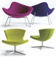 Créés par Bush+Hertzog, les sièges K2 et Jet sont des modèles à la fois confortables et peu encombrants.