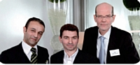 Didier Krief, cofondateur de Certicorps, a remis le Trophée d'or à Jean-Yves Simon et Thierry Papillon de la Cnamts.