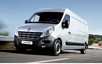 La cylindrée du nouveau moteur 2.3 dCi engendre, selon Renault, une consommation mixte à partir de 7,1 l/100 km, soit un gain moyen de 1 l/100 km par rapport à l'ancien Master.