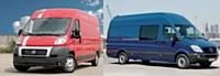 Fiat propose depuis 2009 une version du Ducato (à gauche) fonctionnant au gaz naturel. Quant à Mercedes, il a doté son Sprinter (à droite) d'un nouveau quatre cylindres Cdi permettant de réduire les consommations.