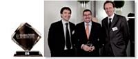 Jean-Luc Baras, Décideur Achats 2010, entouré de Pierre Ravenel (à gauche), directeur général de Factea Durable, et Matthieu Pettex, directeur général de Factea Sourcing.