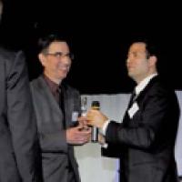 Le prix Achats responsables a été remis par Sébastien Moreau (Electrogeloz) à l'équipe de l'Ucanss.