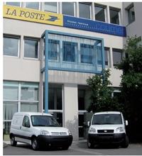 - Les prototypes de Micro-Vett/ Newteon et Venturi Automobiles sont testés à Nantes par La direction technique de La Poste.