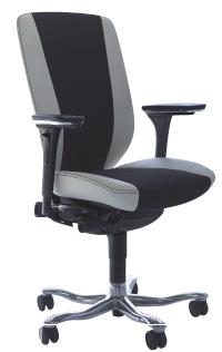 95% du mobilier fabriqué par Kinnarps est labellisé NF Environnement. Ici, le nouveau siège 9000.