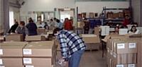 Les salariés de l'Esat Le Bercail, à Puget-sur-Argens (Var), effectuent des prestations de conditionnement, notamment de cosmétiques.