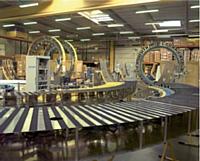 Spécialisée dans les systèmes de mesure de rayonnement des antennes, Microwave Vision est née de la fusion deSatimo et de l'américain Orbit. Ici, le hall d'intégration desarches multicapteurs de Satimo aux Ulis.