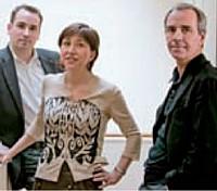 Jean-François Pillou (à gauche), fondateur et coprésident Benoît Sillard (à droite), coprésident, et Isabelle Weill, en charge du Business Development et du Marketing et dg de la régie publicitaire en France.