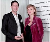 Christine Lorimy (ColiPoste) a remis le 2e prix à Olivier Aizac (Leboncoin.fr).