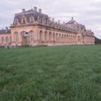 Son lieu de repos, Chantilly, où sesarrières grands-parents, arrivant duRoyaume-Uni, immigrent au XIXe siècle.