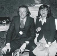 La chanteuse française Isabelle Mayereau fut sa secrétaire dans les années 1970.