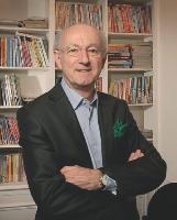 Expert reconnu, Olivier Doy se lance, au terme d'une carrière chez France Loisirs, dans une nouvelle aventure il devient son propre patron.