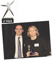 2E PRIX Jean-Christophe Dupuy (Microsoft) a remis le 2e prix à Céline Verleure (L'Oréal Paris).