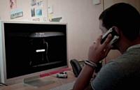 L'internaute, tout en visualisant la vidéo, recevait un appel personnalisé.