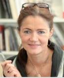 JEANNE BORDEAU est fondatrice et directrice de l'Institut de la qualité de l'expression, bureau de style en langage, et de Press'Publica, agence de communication d'influence. Jeanne Bordeau enseigne à l'université Paris V et en Italie, à l'école Holden et à l'Ecole nationale supérieure de la création industrielle (ENSCI). Cette conférencière est aussi l'auteur de cinq livres publiés aux éditions d'Organisation.