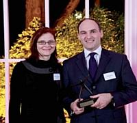 Le 3e prix, remis par Nathalie Phan Place (SNCD) est revenu à Claude Charpin (e-TF1).
