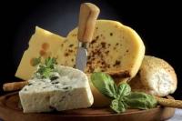 ... le roquefort, une des spécialités régionales de l'Aveyron.