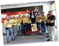 L'équipe d'Ikea, ravie de recevoir Laurent son président des clients, dans son magasin d'Evry.