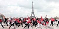 Le 13 octobre dernier, plus de 200 collaborateurs de KFC France ont réalisé un flashmob sur le Parvis des Droits de l'Homme.