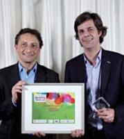 Roger Lei (LaSer Services) a remis le trophée Olivier Tarneaud, (Aéroports de Paris).