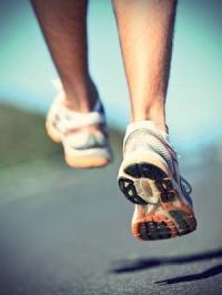 ... que le sport: il pratique assidûment la course à pieds.