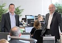 Julien Parrou, p-dg, à gauche, et Nicolas Babin, dg, à droite, dynamisent par leur enthousiasme les 57 employés de ConcoursMania.
