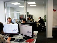Splio, ici dans ses bureaux parisiens, est née en 2001 d'une rencontre entre Raphaël Jore et Louis Rouxel.