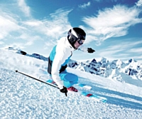 Ce quinquagénaire pratique régulièrement le ski.
