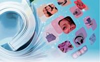 Finis les catalogues qui alignent les produits en rang d'oignons en mettant en avant les promotions. Place aux supports élégants qui délivrent aux consommateurs des conseils personnalisés.