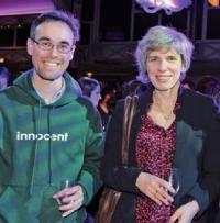 Andy Kay, directeur général d'Innocent France et Agnès Ogier, directrice marketing de SNCF Voyages.