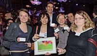 L'équipe d'Experian Marketing Services, réunie autour du trophée remporté dans la catégorie Data.