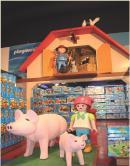 Les Playmobil sont toujours à l'honneur dans les PLV.