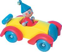 Oui-Oui et sa voiture en bois signée Vilac sont familières des plus petits. Pourtant, le fabricant de jouets n'a jamais fait de campagne de pub.