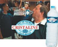 Cristaline, contrairement à ses concurrentes, ne s'affiche qu'une fois par an à la télévision, avec sa star fétiche Guy Roux.