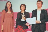 Béatrice Héraud (journaliste à Marketing Magazine), Mathilde Lauriau-Tedeschi (présidente du bureau de Paris de Landor), André Delvallée (directeur commercial du bureau de Paris de Landor).