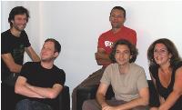 Le groupe Shake Content (de gauche à droite): Gilles Fischteberg, Julien Ayraut, Jean-François Sacco, Loïc Clermonte et Eileen Bastianelli.
