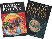 Deux couvertures différentes pour le dernier Harry Potter. L'une pour les enfants, l'autre pour les adultes.