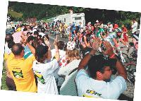 Isover squatte le Tour de France. Une première pour une marque peu dopée à la communication.