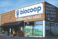 Les magasins Biocoop se présentent comme des supermarchés chaleureux et accueillants.