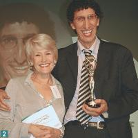 2 Martine Hollinger (directrice générale de TF1 publicité) et Morald Chibout (directeur marketing grand public d'EDF).