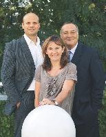 Arnaud de Baynast, Catherine Emprin, et Jacques Lendrevie (coauteus du Publicitor)