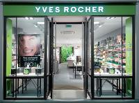 Le nouveau concept de magasin modernise l'image de la marque et plonge les clientes dans une atmosphère nature.