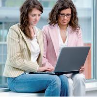 Même si elles n'ont pas toutes les mêmes attentes, 56 % des Françaises utilisent Internet de manière assidue.