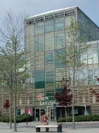 Petite révolution, certaines universités, à l'instar de celle de Marne-la-Vallée, s'inscrivent dans une politique de branding.